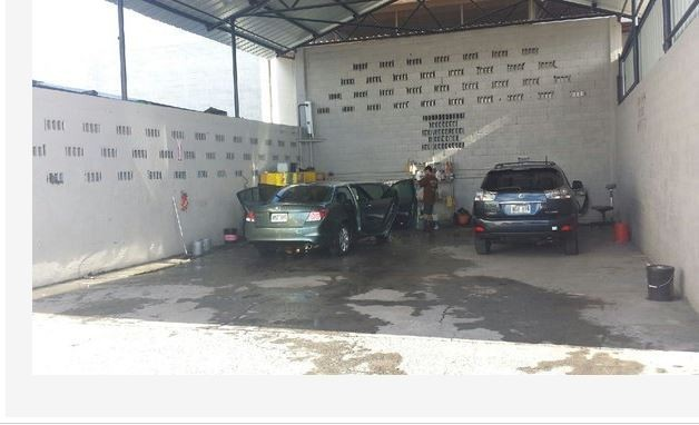 Auto World Specialists Lot Area Body Shop Collision Repair Paint Dent Honolulu Hawaii Garage