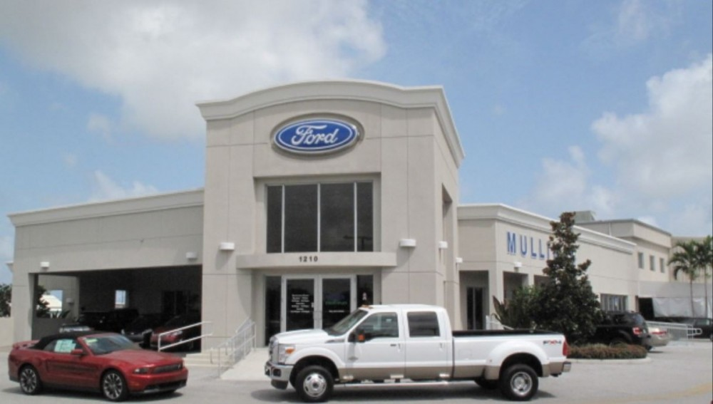 At Mullinax Ford Of Palm Beach, you will easily find us located at Lake Park, FL, 33403. Rain or shine, we are here to serve YOU!