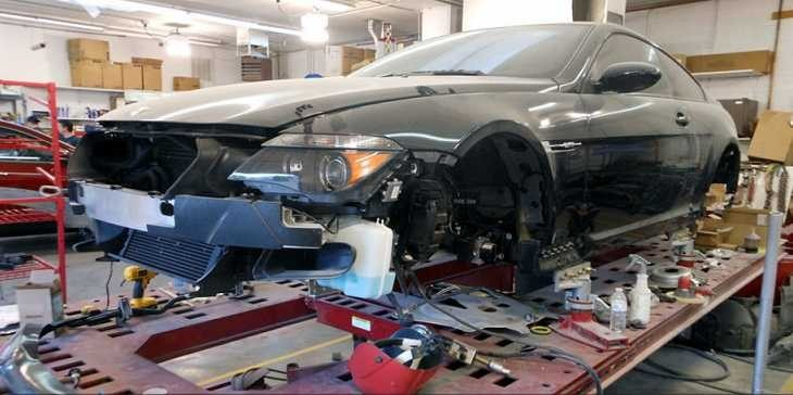 At Vince's Autobody Inc Corporate, we know how important your car is to you. That's why we work hard to make sure your vehicle is brought back its pre-accident condition!
