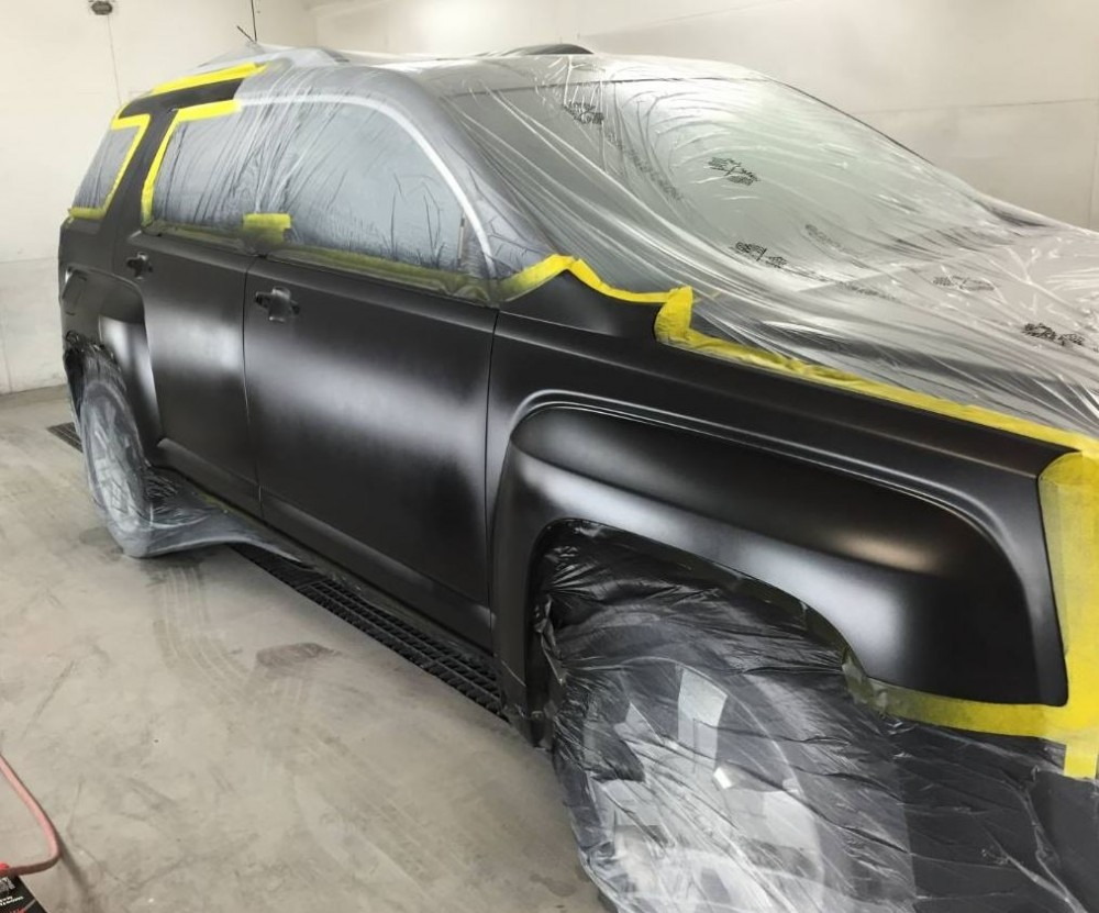 Painting technicians are trained and skilled artists.  At Putnam Chrysler Dodge Jeep Kia, Inc., we have the best in the industry. For high quality collision repair refinishing, look no farther than, Putnam, CT, 06260.