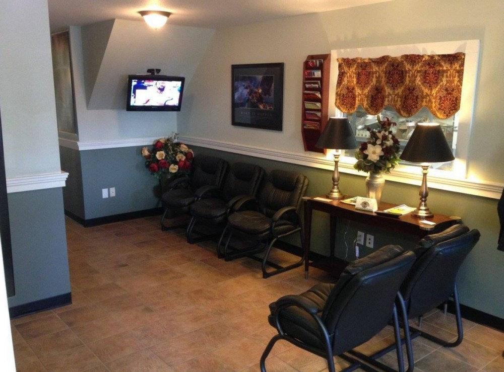 The waiting area at our body shop, located at Putnam, CT, 06260 is a comfortable and inviting place for our guests.
