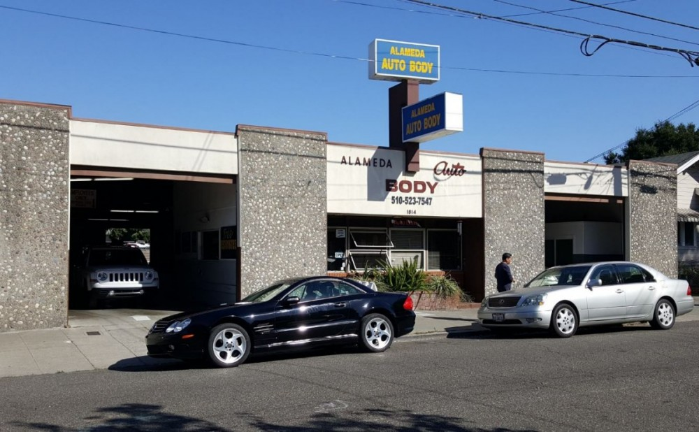 We are a state of the art Collision Repair Facility waiting to serve you, located at Alameda, CA, 94501