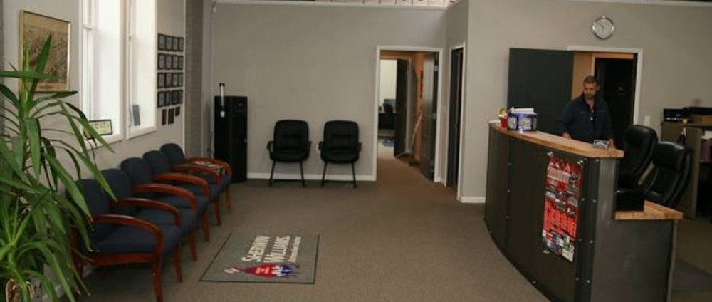 The waiting area at our body shop, located at South Orange, NJ, 07079 is a comfortable and inviting place for our guests.