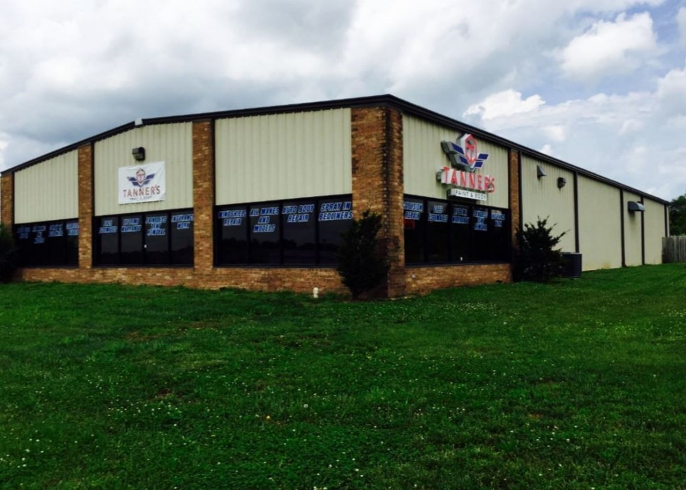 We are centrally located at Willard, MO, 65781 for our guest's convenience and are ready to assist you with your collision repair needs.