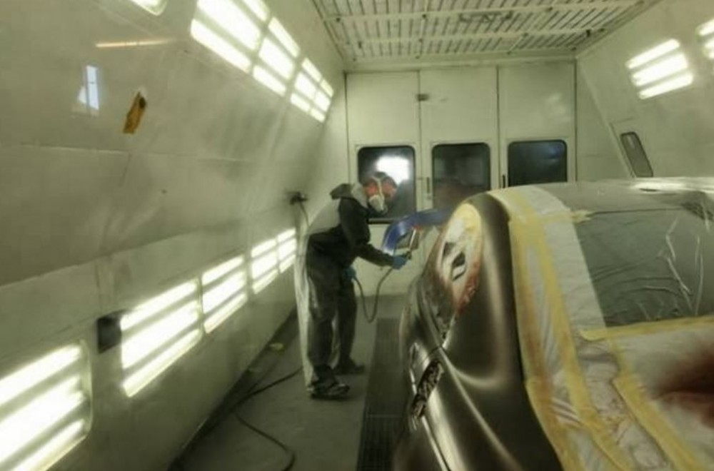 Painting technicians are trained and skilled artists.  At Continental Collision Austin, we have the best in the industry. For high quality collision repair refinishing, look no farther than, Austin, TX, 78752.