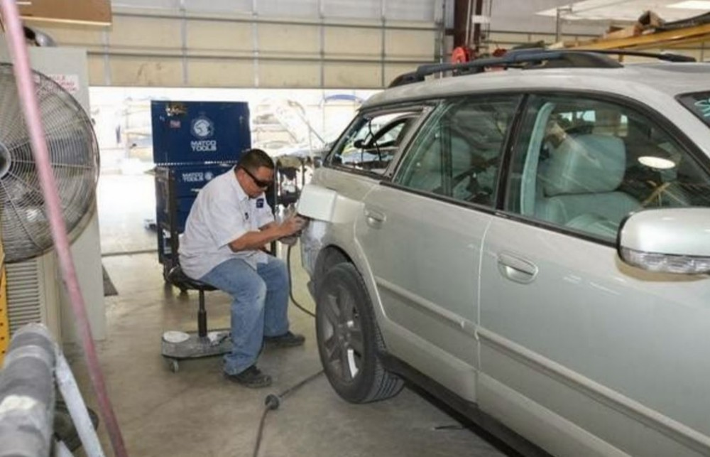 Here at Continental Collision Austin, Austin, TX, 78752, our body technicians are craftsmen in the art of metal straightening.