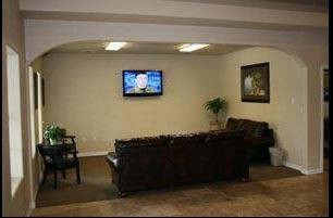 Here at Frank's Automotive & Collision Center, New Braunfels, TX, 78130, we have a welcoming waiting room.