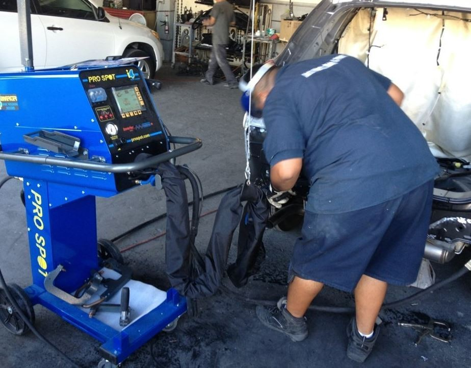 Here at Auto Werks Body & Paint Fix Auto Downtown El Monte, El Monte, CA, 91732, professional structural measurements are precise and accurate.  Our state of the art equipment leaves no room for error.