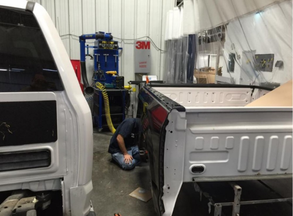 At Superstar Collision Center, in Cedar Hill, TX, 75104, all of our body technicians are skilled at panel replacing.
