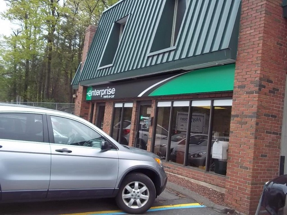 At Olender's Body Shop, Inc., Vernon Rockville, CT, 06066, car rental services are always available for our guests.