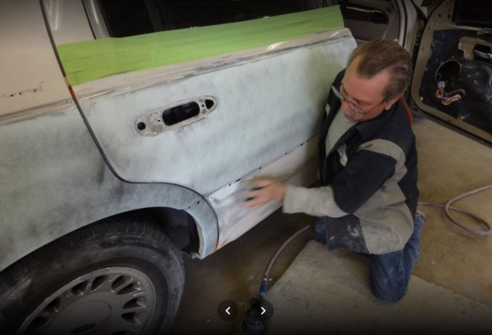 At Fix Auto Sun City, all of our body technicians are skilled at panel replacing.