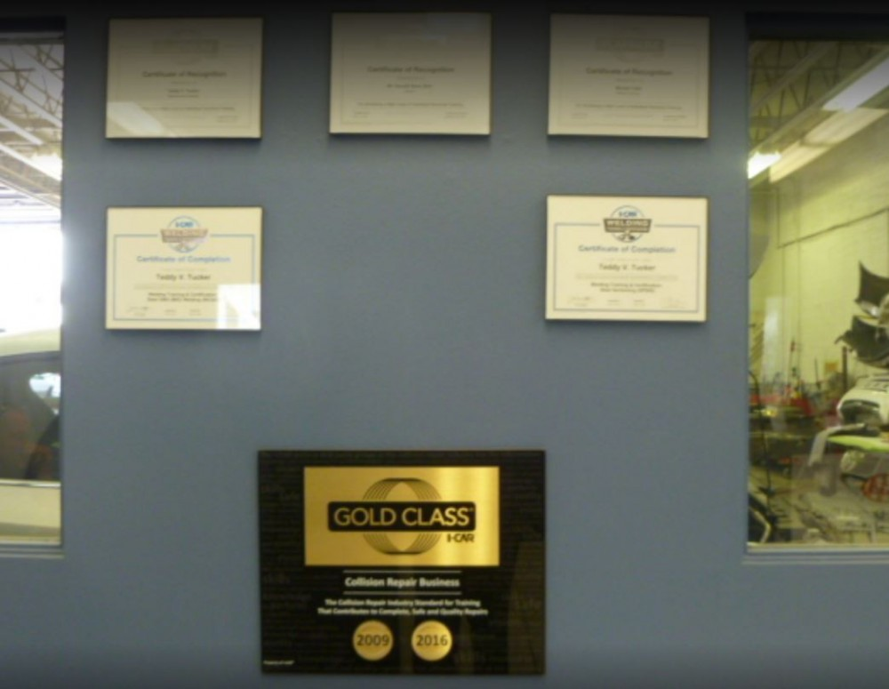 At Fix Auto Sun City, we proudly post our earned certificates and awards.