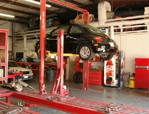 Here at U.S. Auto Connection, Houston, TX, 77008, professional structural measurements are precise and accurate.  Our state of the art equipment leaves no room for error.