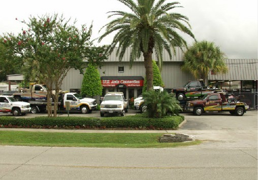 We are Centrally Located at Houston, TX, 77008 for our guest's convenience and are ready to assist you with your collision repair needs.