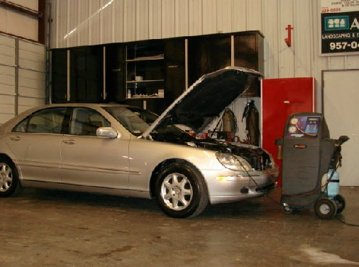 Collision repairs unsurpassed at Houston, TX, 77008. Our collision structural repair equipment is world class.