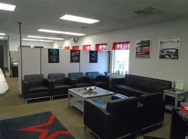 Here at CARSTAR Gapsch Collision Center, St Louis, MO, 63123, we have a welcoming waiting room.
