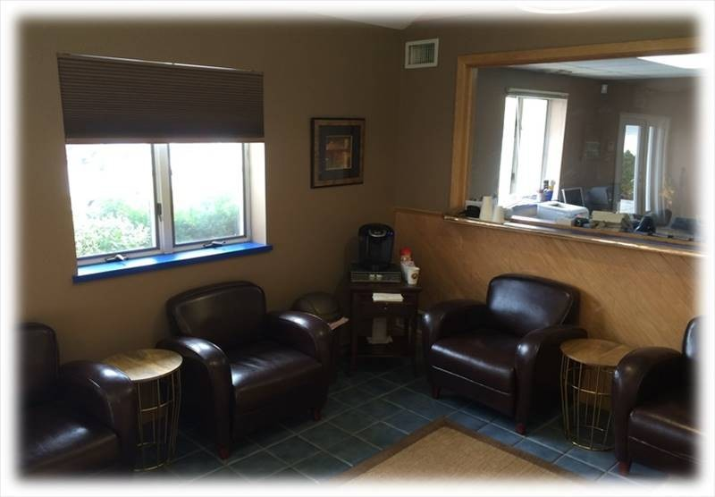 Here at Moppert Auto Collision, Turnersville, NJ, 08012, we have a welcoming waiting room.