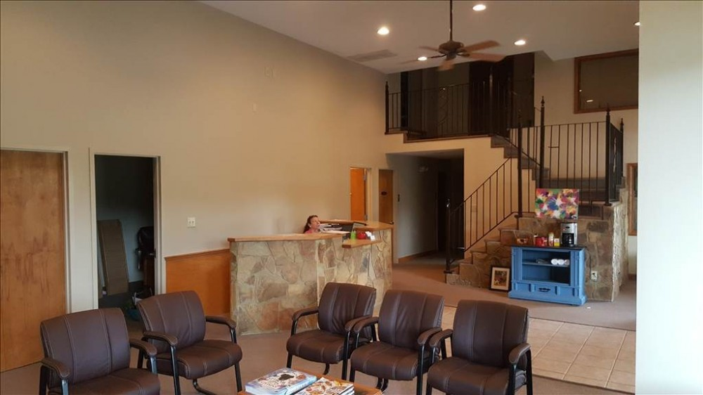 The waiting area at our body shop, located at Chapel Hill, NC, 27517 is a comfortable and inviting place for our guests.