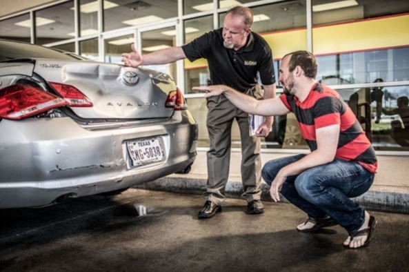 Complete and accurate damage estimates are done by very experienced people. If knowledge coupled with experience is what you are looking for, look no further.  Service King Pontiac South, in Pontiac, MI is the place for you.