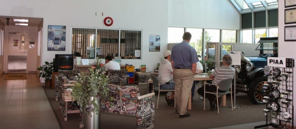 The waiting area at our body shop, located at Baxter, MN, 56425 is a comfortable and inviting place for our guests.