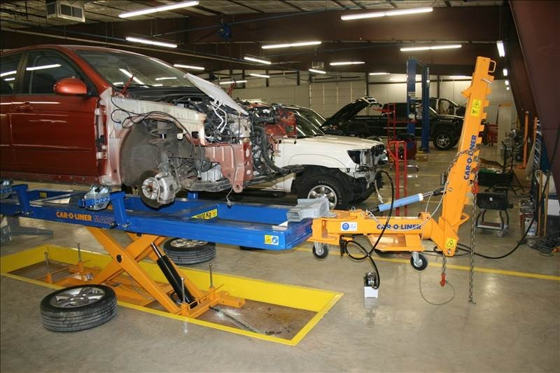 Professional vehicle lifting equipment at AutoBody Express - Longview, located at Longview, TX, 75605, allows our damage estimators a clear view of all collision related damages.