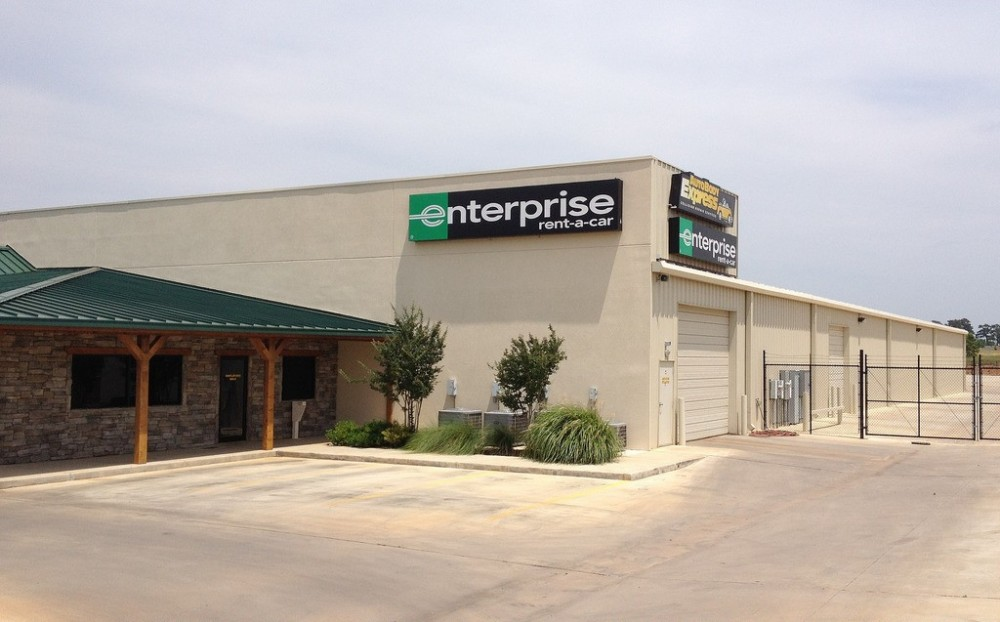 We are centrally located at Longview, TX, 75605 for our guest's convenience.