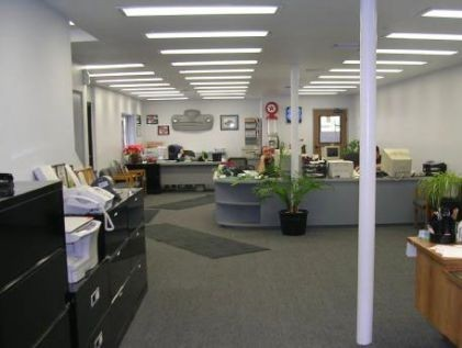 Eckles Auto Body 11630 Whittier Blvd.  Whittier, CA 90601  A FULL SERVICE OFFICE AND WAITING AREA READY TO SERVE YOU .....