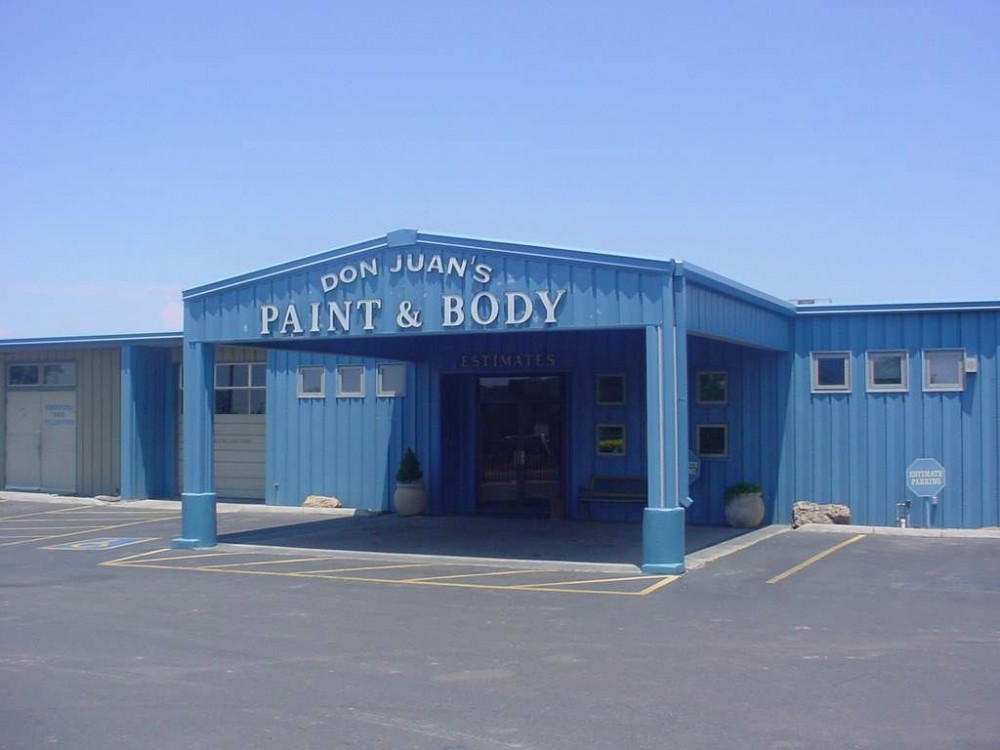 We are centrally located at Santa Fe, NM, 87507 for our guest's convenience and are ready to assist you with your collision repair needs.