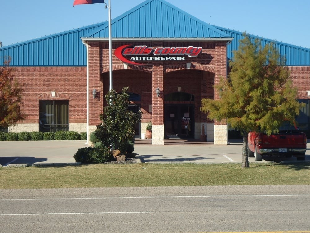We are Centrally Located at Waxahachie, TX, 75165 for our guest's convenience and are ready to assist you with your collision repair needs.