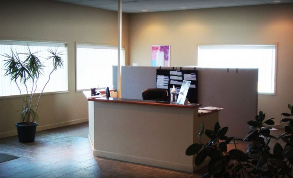 Our body shop's business office located at Godfrey, IL, 62035 is staffed with friendly and experienced personnel.
