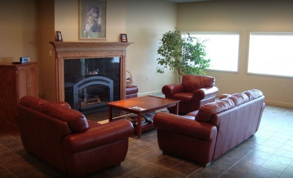 Here at Woodman Collision Center, Godfrey, IL, 62035, we have a welcoming waiting room.