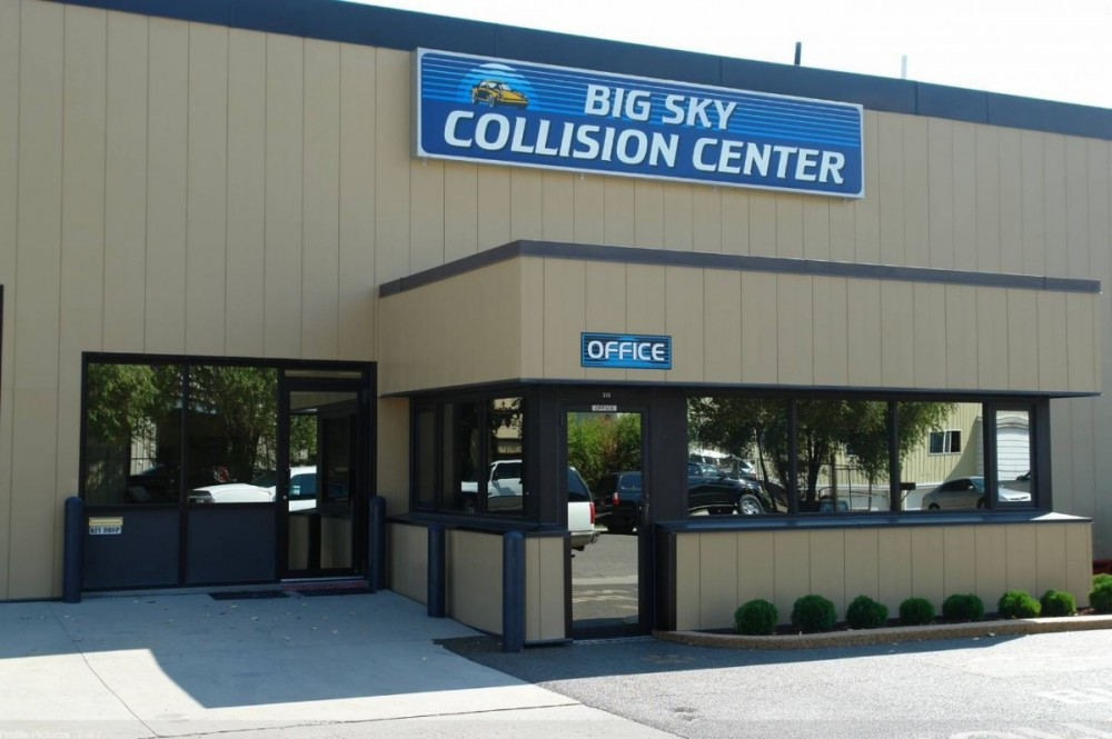 We are centrally located at Billings, MT, 59101 for our guest's convenience and are ready to assist you with your collision repair needs.