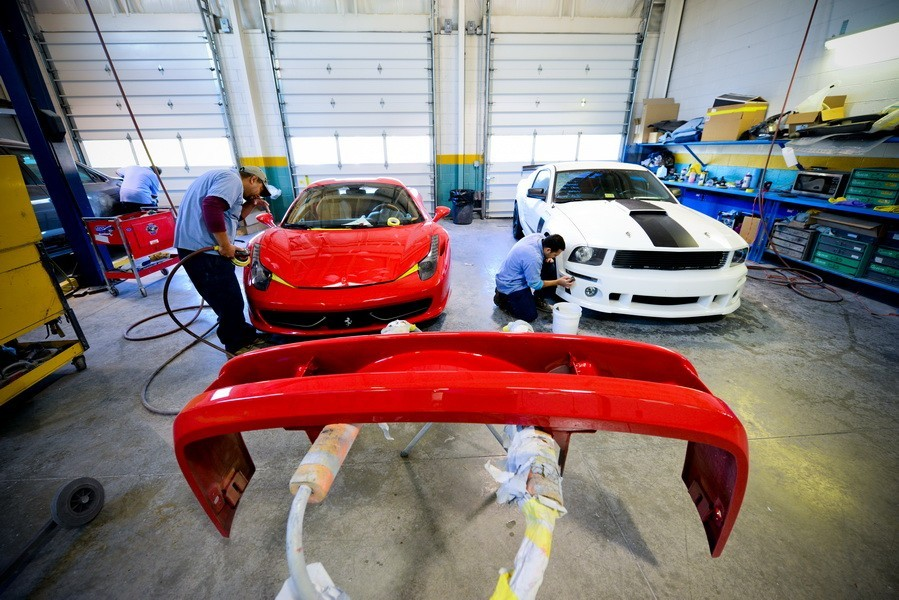 At D&V Autobody, we color sand and polish all repaired exterior panels, giving them professional results that mirrors OEM finishes.