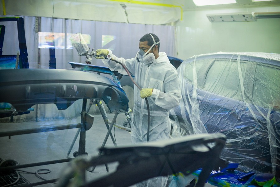 Painting technicians are trained and skilled artists.  At D&V Autobody, we have the best in the industry. For high quality collision repair refinishing, look no farther than, Sterling, VA, 20166.
