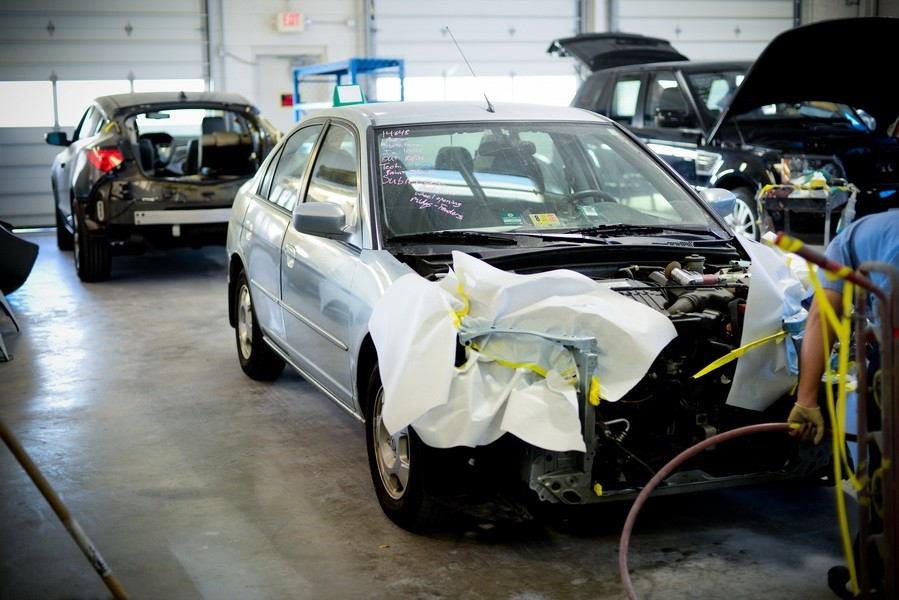 Collision structure and frame repairs are critical for a safe and high quality repair.  Here at D&V Autobody, in Sterling, VA, 20166, our structure and frame technicians are I-CAR certified and have many years of experience.